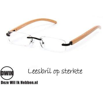 Houten leesbril op sterkte