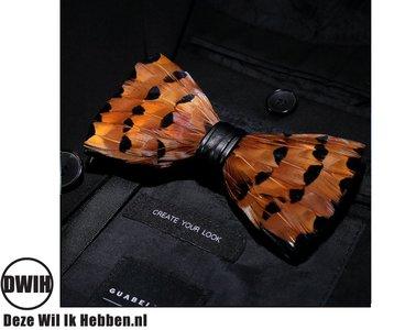 Vlinderdas van veren bruin