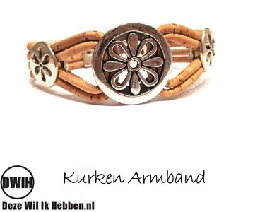 Kurken armband 48 naturel / 4 baans, 3 bloemen